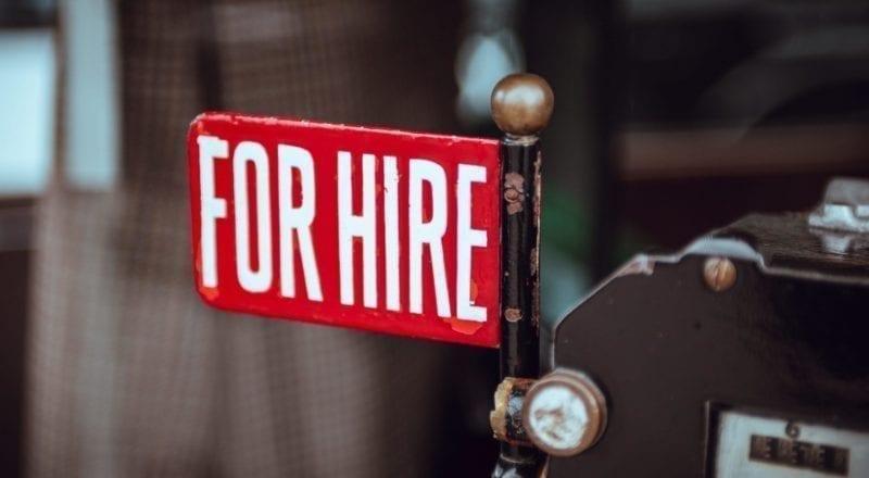 """En skylt där det står """"Att hyra"""" är ett sätt att anställa evenemangspersonal"""