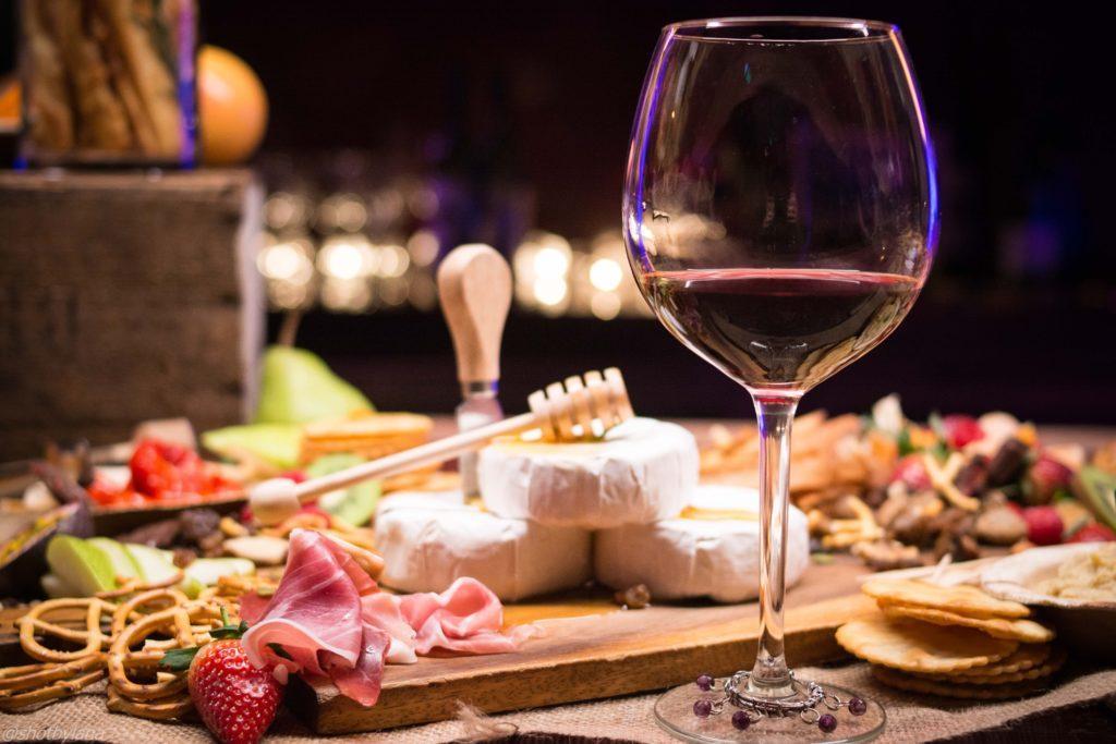 Vinprovningsevenemang: Kom ihåg att ha tillbehör för neutralisering redo.
